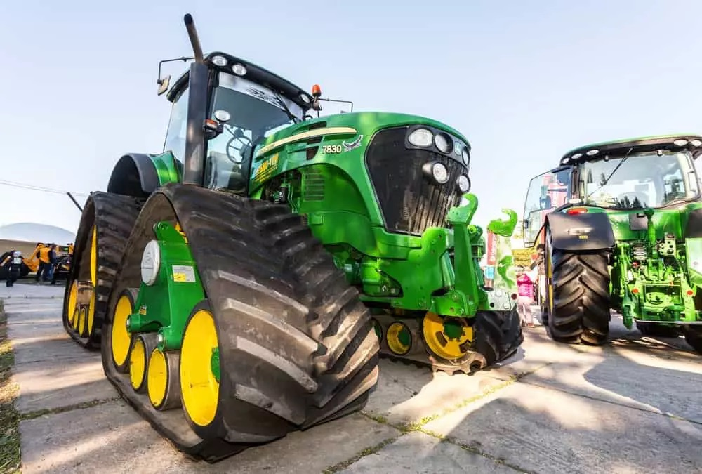 Read Few Tips While You Are Considering to Buy Tractors