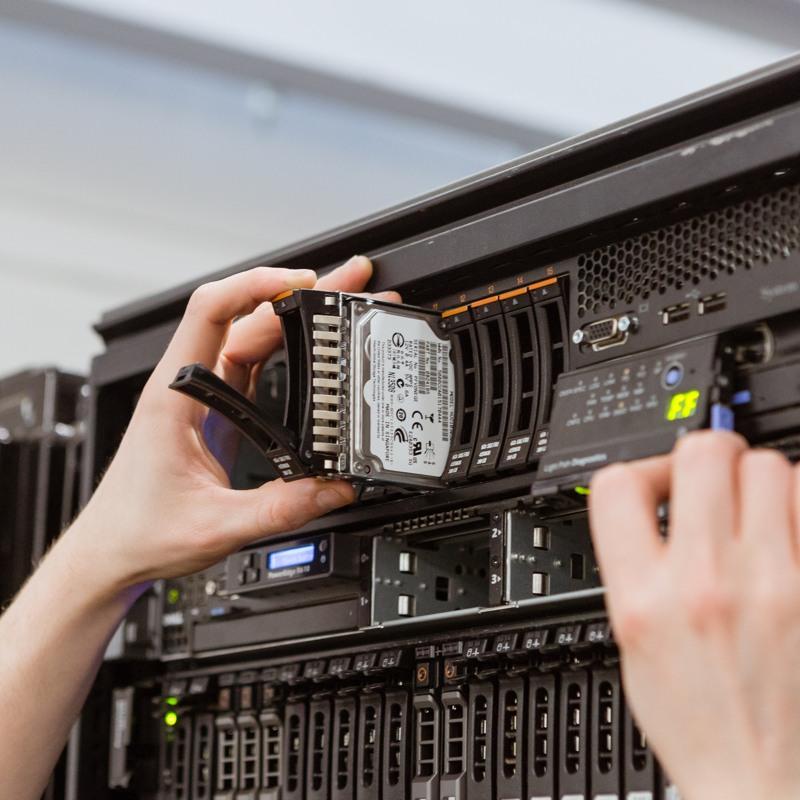 Benefits to Buying a Refurbished Server
